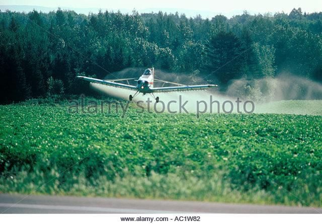 spraying-potatoes-new-brunswick-canada-A