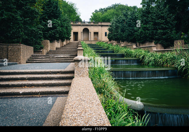 cascading-fountain-at-meridian-hill-park