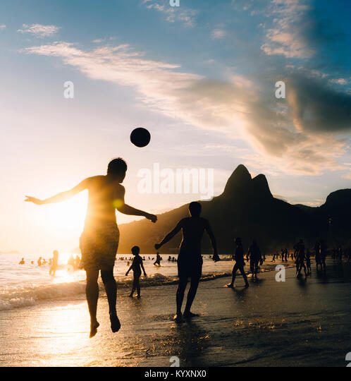 keepy-upply-on-ipanema-beach-rio-de-jane