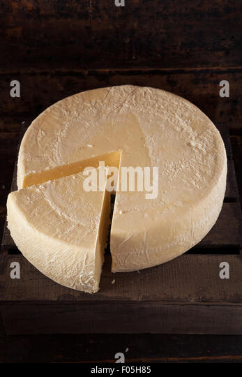 how to cut wheel of cheese