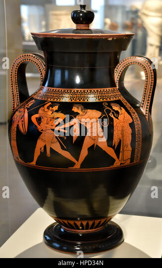 The Mythical wrestling match between Heracles and Apollo fighting the Delphic tripod, Amphora with Palaestra Scene - Stock Image