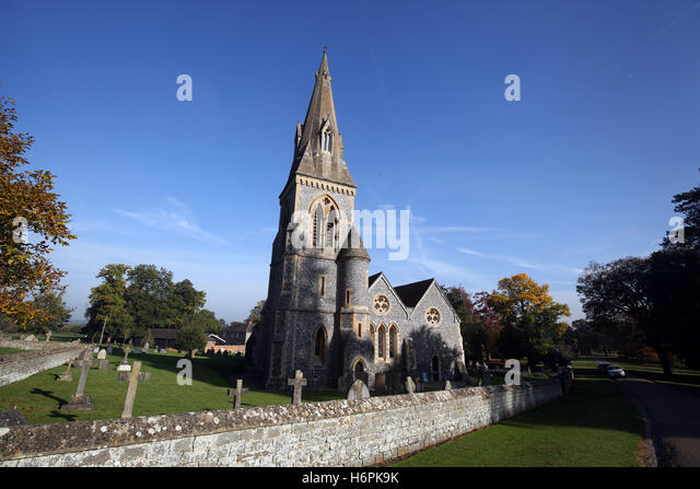 Sister pippa stock photos sister pippa stock images alamy St mark s church englefield