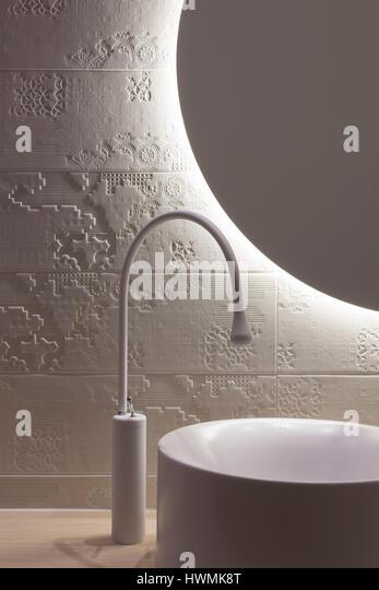 Detail of basin and mirror in main bathroom. Hawthorne House, Melbourne, Australia. Architect: Annie Lai Architects, - Stock-Bilder