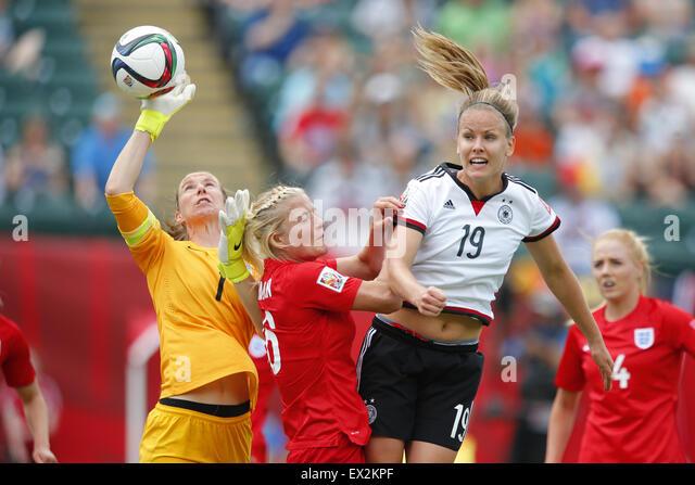 Edmonton, Canada. 4th July, 2015. (L-R) Karen Bardsley, Katie Chapman (ENG), Lena Petermann (GER) Football/Soccer - Stock-Bilder