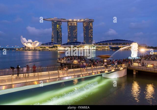 Marina Bay, Merlion, Marina Bay Sands Hotel, Pier, Singapore, Singapur, Southest Asia, travelstock44 - Stock Image