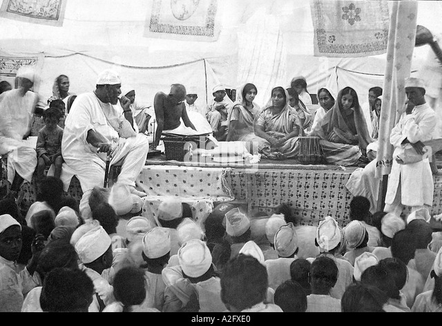 Mahatma Gandhi addressing a meeting of untouchables in Mumbai Bombay Maharashtra India 1926 - Stock Image