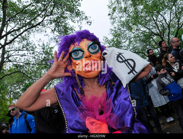 Strassentheater, Panama Papers, Karneval der Kulturen, Kreuzberg, Berlin, Deutschland - Stock-Bilder