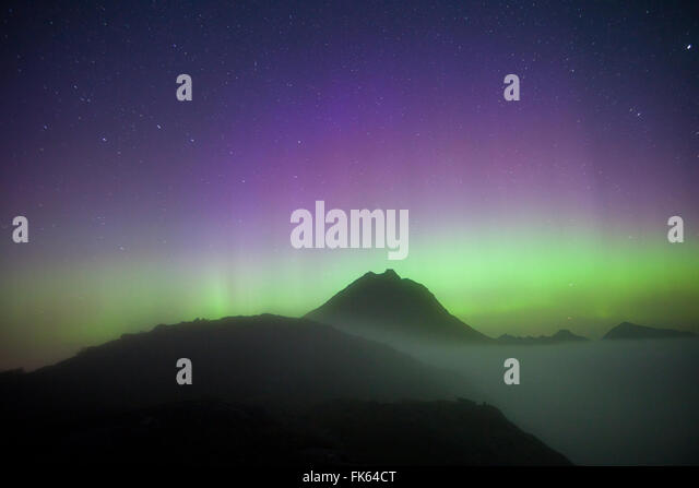 Aurora Borealis seen from Litlefjellet in the Romsdalen valley, Møre og Romsdal, Norway. - Stock-Bilder