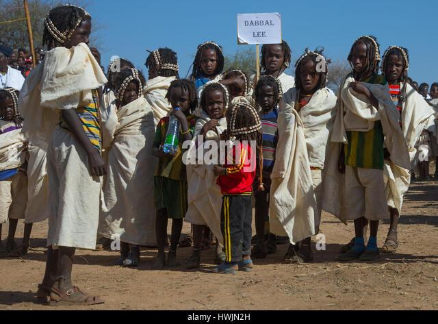 Dabale age grade boys during the Gada system ceremony in Borana tribe, Oromia, Yabelo, Ethiopia - Stock-Bilder