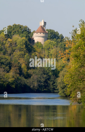Chateau overlooking river Creuse, near Tournon St. Martin, sud-Touraine, France. - Stock Image