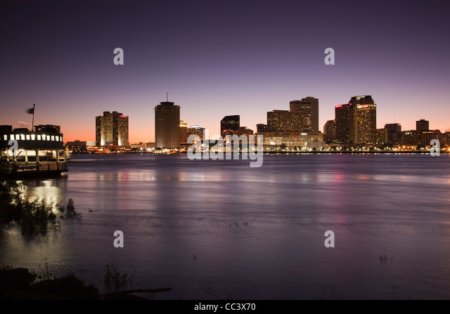 USA, Louisiana, New Orleans, city skyline from Algiers, Algiers ferry, and Mississippi River, evening - Stock-Bilder
