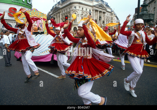 Hindu Parade London  People Dancing - Stock Image