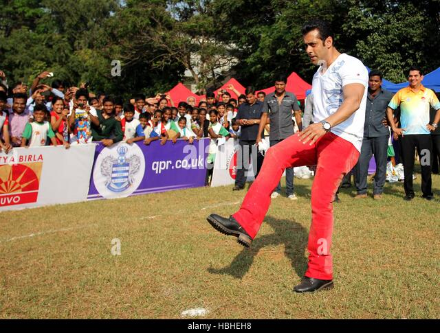 Bollywood actor Salman Khan during commemoration ceremony 5th South Mumbai Milind Deora Junior Soccer Challenger - Stock-Bilder