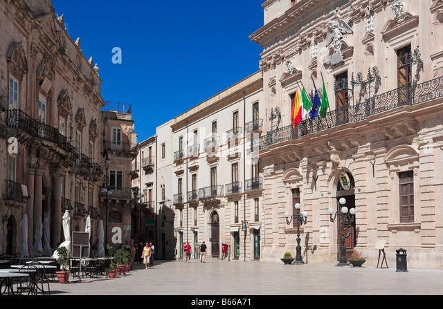 Town Hall, Palazzo del Senato, Piazza del Duomo, Ortygia, Syracuse, Sicily - Stock Image