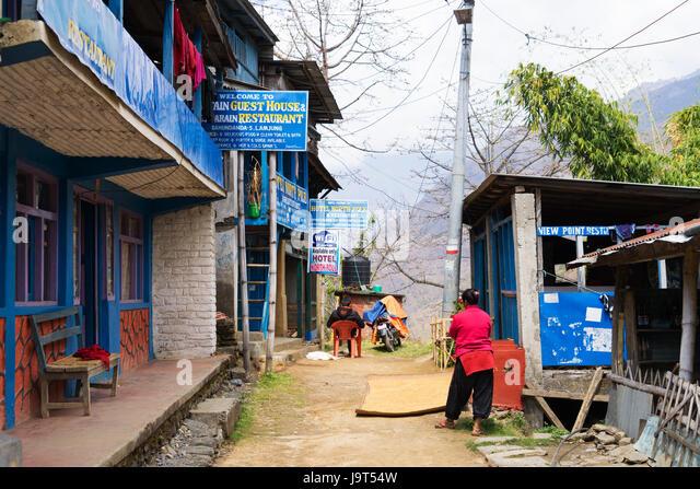 Street scene in Bahundanda, Lamjung district, Nepal. - Stock-Bilder