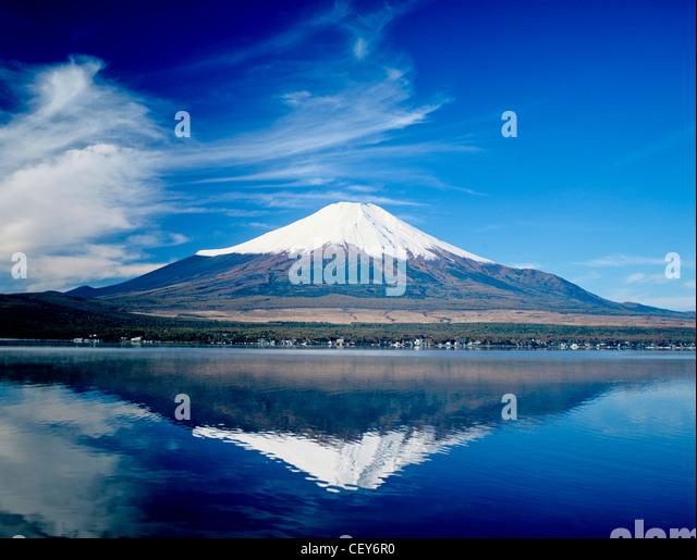 Mount Fuji and Lake Yamanakako. - Stock Image