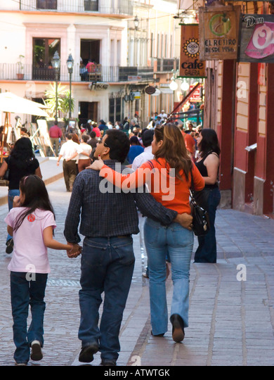 guanajuato men Los antepasados indígenas de los guanajuatenses: a look into guanajuato's past by john p schmal for the better part of a hundred years, thousands of people have emigrated from the central mexican state of guanajuato to the united states.