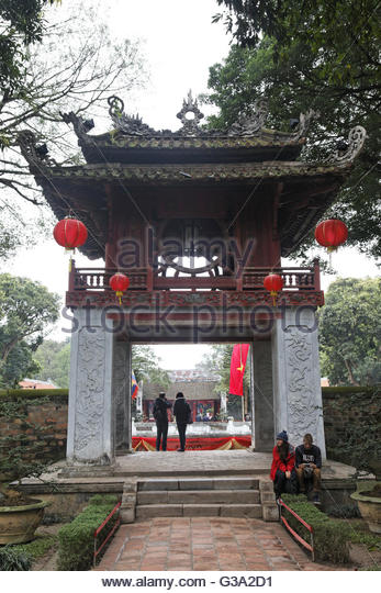 Asia, Vietnam, Hanoi, Tourist at temple of literature - Stock Image
