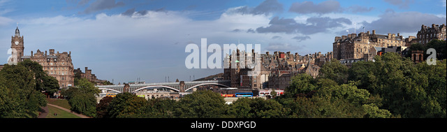Edinburgh panorama, Scotland, UK towards bridges - Stock Image