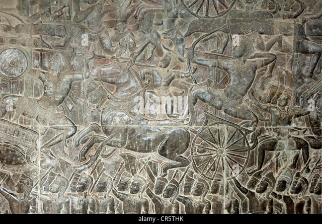 Part of the bas-relief in the West Gallery depicting scenes of the battle of Kurukshetra from the Hindu epic Mahabharata - Stock Image