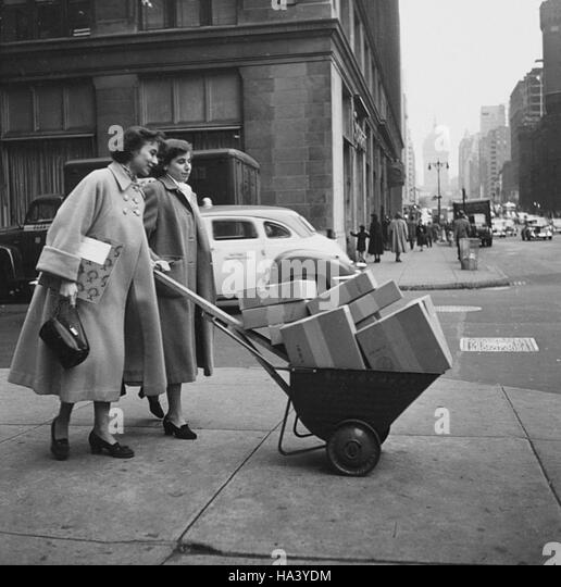 Barbara Holdridge and Marianne Roney, founders of Caedmon Records - Stock Image