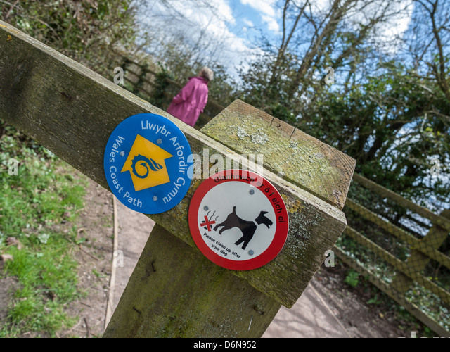 SIGNS ON WALES COAST PATH AT BLACK ROCK NEAR PORTSKEWETT MONMOUTHSHIRE WALES UK - Stock Image