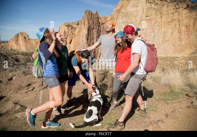 Backpackers on vacation, Smith Rock State Park, Oregon - Stock Image