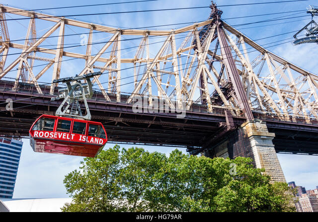 New York New York City NYC East River Roosevelt Island Tram commuter aerial tramway Ed Koch Queensboro Bridge - Stock Image