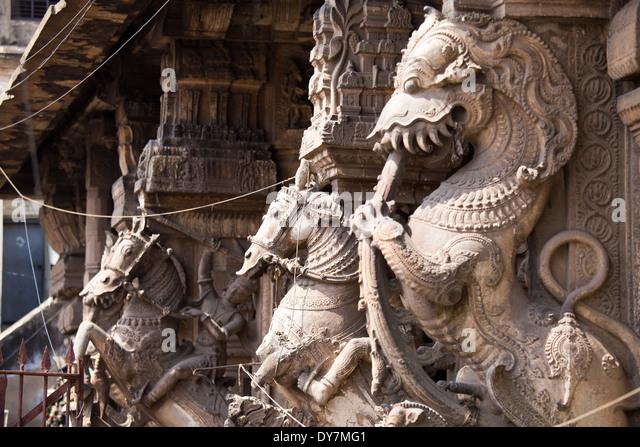 Hindu sculptures outside the Meenakshi Amman Temple, Madurai, India - Stock Image
