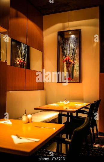 Restaurant night inside view stock photos restaurant for Upmarket hotel