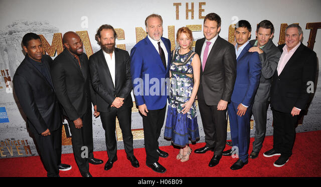 New York, NY- September 19: Antoine Fuqua, Denzel Washington, Peter Sarsgaard, Vincent D'Onofrio, Haley Bennett, - Stock-Bilder