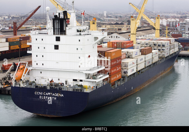 Container ship in the Port of Callao, Lima, Peru - Stock Image