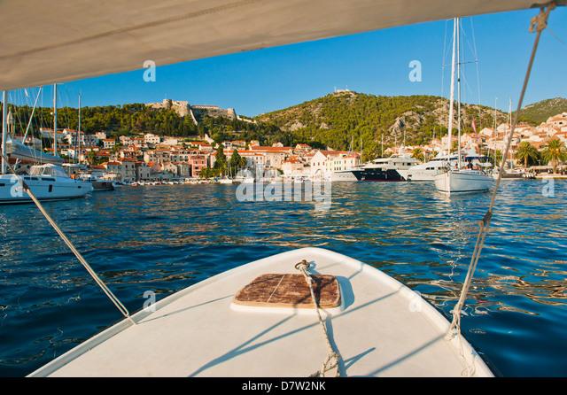 Boat trip returning to Hvar Town, Hvar Island, Dalmatian Coast, Adriatic, Croatia - Stock Image