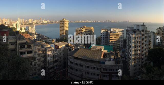India, Maharashtra, Mumbai, Kala Ghoda, View of Marine Drive and ocean from Netaji Subhash Chandra Bose Road - Stock Image