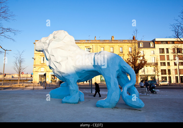 The Lion of Veilhan at Place Stalingrad, Bordeaux - Stock Image
