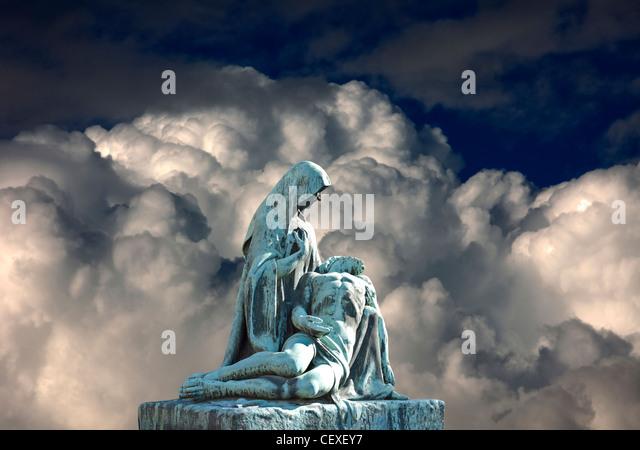 Grave scene with Virgin Mary and death Jesus Christ. Religious art. - Stock-Bilder