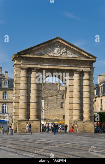 Place de la victoire stock photos place de la victoire for Porte 15 bordeaux