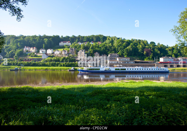 Cruise ship floating along the River Elbe, Saxony, Germany, Europe - Stock-Bilder