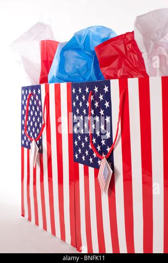 Shopping American Flag gift bags - Stock Image