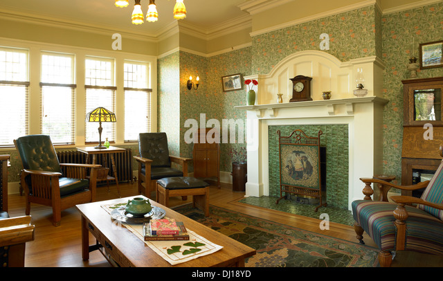 Arts And Crafts Style Living Room: Arts And Crafts Fireplace Stock Photos & Arts And Crafts
