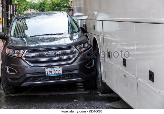Washington DC District of Columbia collision car bus sideswipe accident - Stock Image