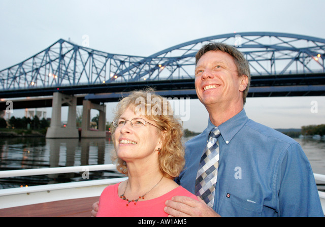 Wisconsin La Crosse Mississippi River Island Girl Yacht Cruise Cass Street Bridge tour boat couple man woman - Stock Image