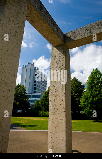 Modern art sculpture in Watts Park Southampton City Centre Hampshire England - Stock-Bilder
