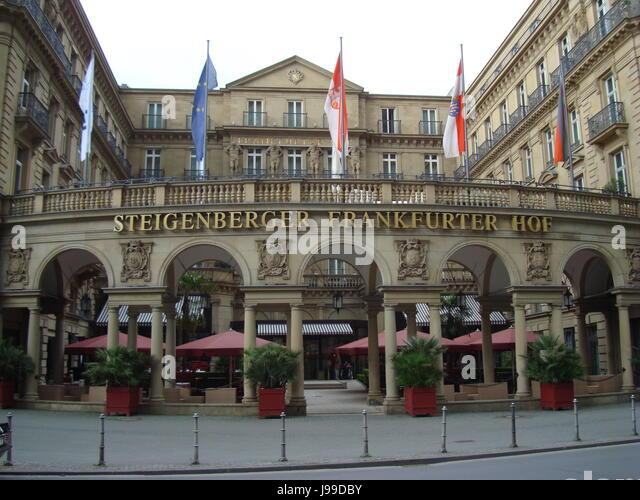 Entrance of Steigenberger Frankfurter Hof Hotel, Frankfurt am Main, Hessen, Germany. Photo by Willy Matheisl - Stock Image