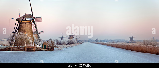 The Netherlands, Kinderdijk, Windmills, Unesco World Heritage Site. Winter. Panoramic view. - Stock Image