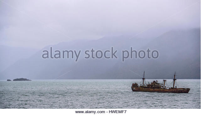 The Shipwreck of the Captain Leonidas in Messier Channel, Chilean Fjords, Patagonia, Chile - Stock-Bilder