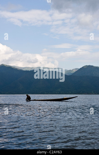 Man in boat on Inle Lake, Myanmar - Stock-Bilder