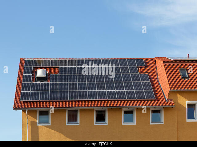 Solar panels on the roof - Stock-Bilder