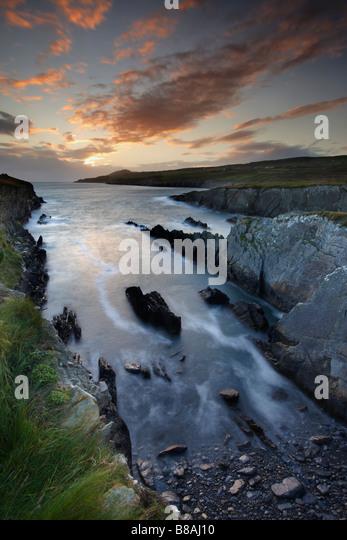 dusk at Dooneen Head with Sheeps Head beyond, Bantry Bay, County Cork, Ireland - Stock-Bilder