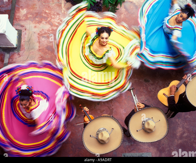 ABOVE WOMEN DANCERS MERIDA YUCATAN MEXICO - Stock-Bilder